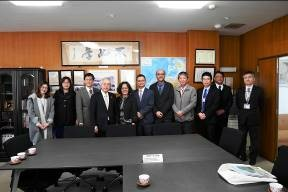 NCHU delegation and NU members
