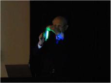 緑色蛍光タンパク質(GFP)の披露
