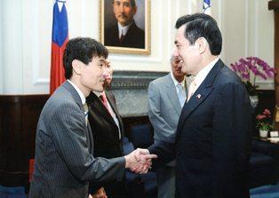 馬英九総統と高村昇教授