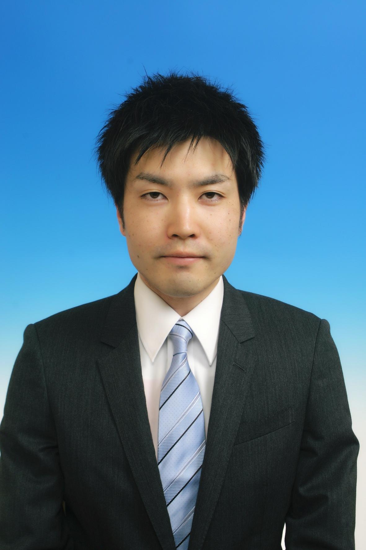 医歯薬学総合研究科 生命薬科学専攻 博士後期課程2年生の吉村 光 君(薬品製造化学研究室)