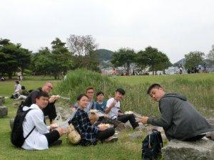 長崎水辺の森公園にてランチの様子