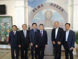 アスフェンディヤーロフ・カザフ国立医科大学での新学長表敬
