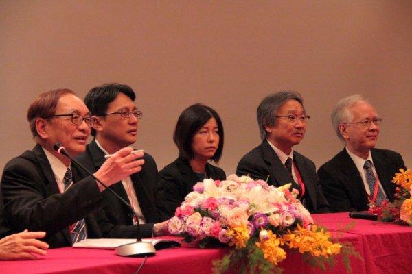 長崎大学と台北栄民総医院との合同シンポジウムの様子