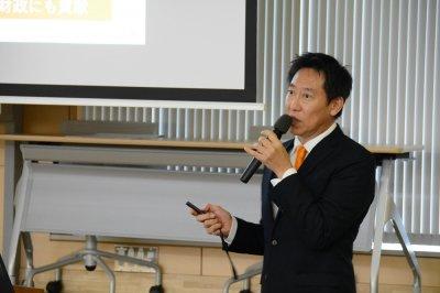 スポーツの持つ力について熱く語る鈴木長官