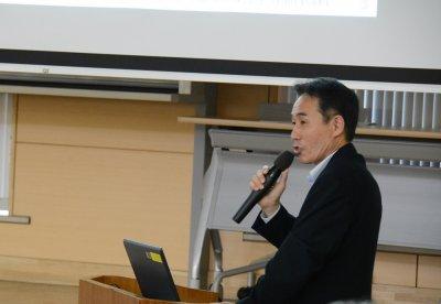 長崎県の取り組みを紹介する沢水部長