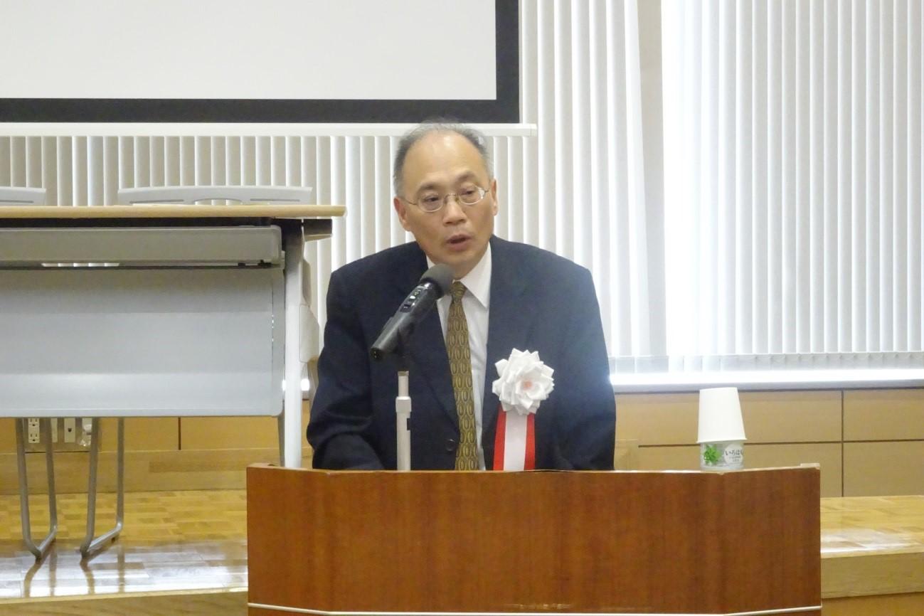 講演する呉密察 台湾国史館館長